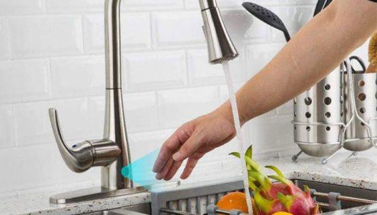 چگونه یک شیر آب آشپزخانه بدون لمس کار می کند؟ - بهترین شیرآلات آشپزخانه